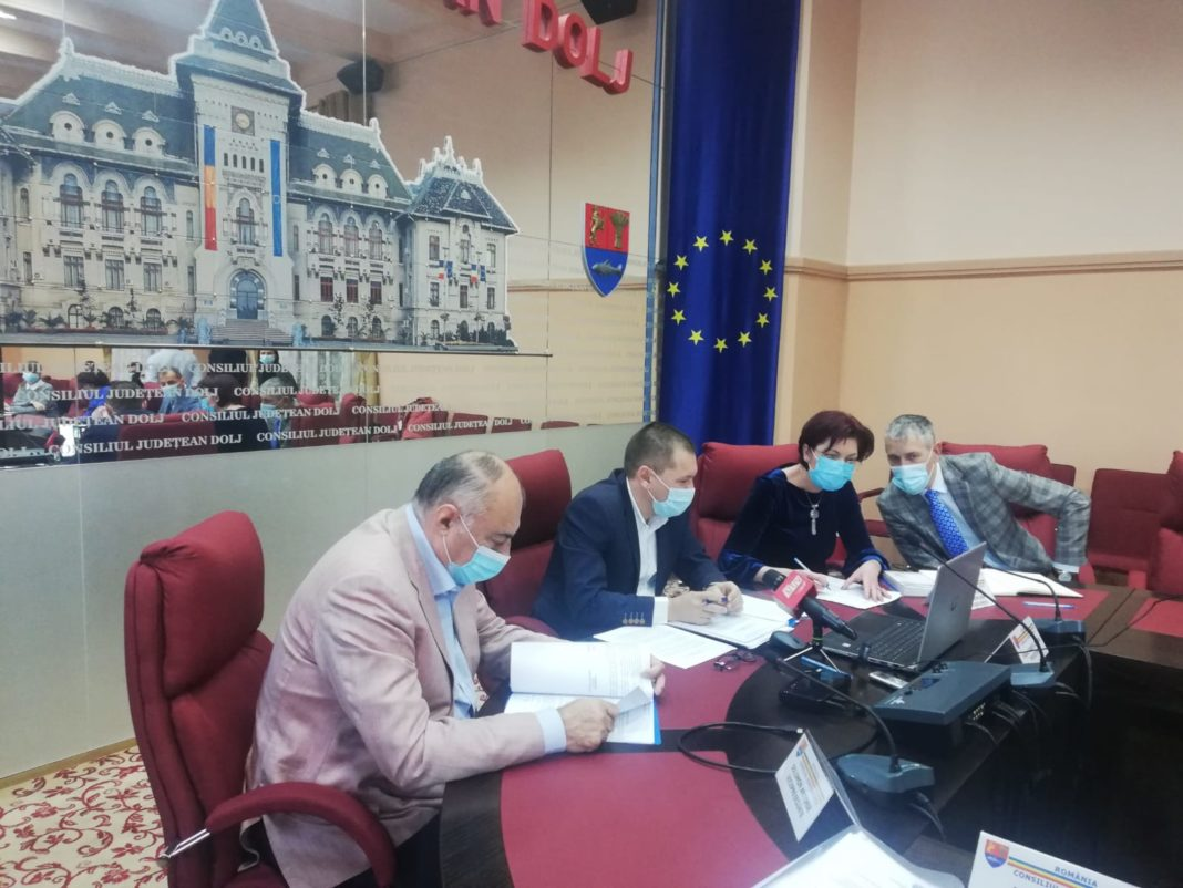 Ședința fulger de la Consiliul Județean Dolj s-a desfășurat în sistem on-line