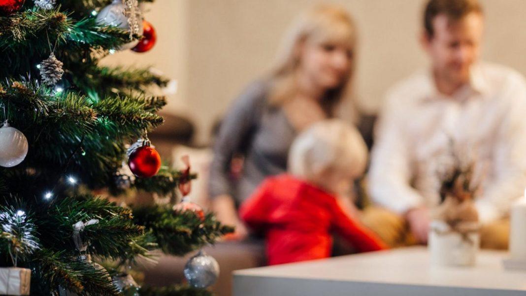 Reuniunile de familie, permise în Marea Britanie în preajma Crăciunului