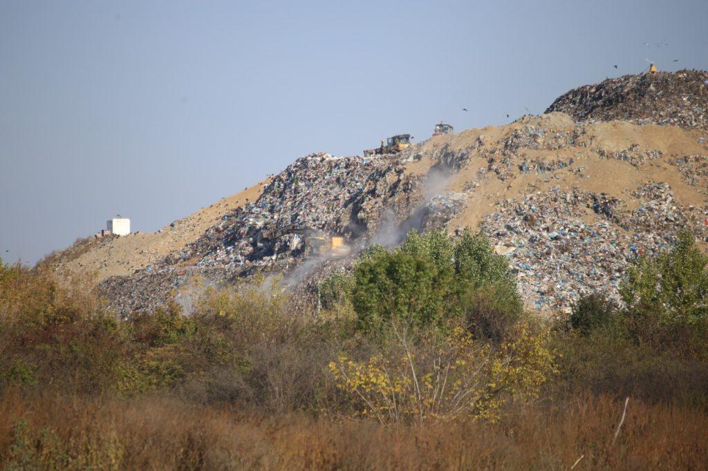 Poate fi mutată groapa de gunoi de la Craiova? Depozitul de deșeuri de la Mofleni/foto: Claudiu Tudor