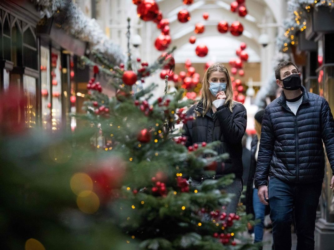Guvernul francez intenţionează să ridice măsurile de izolare şi să permită deplasările începând de pe 15 decembrie