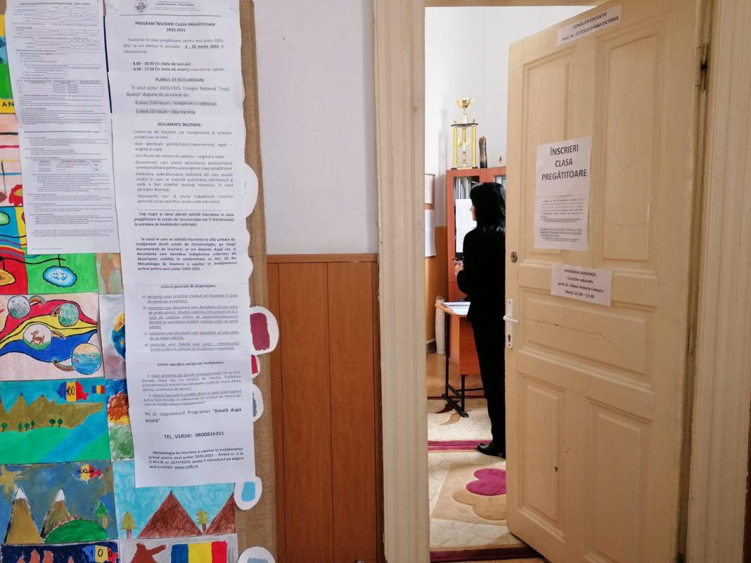 Școala în pandemie: Ce dificultăți întâmpină personalul în activitățile online