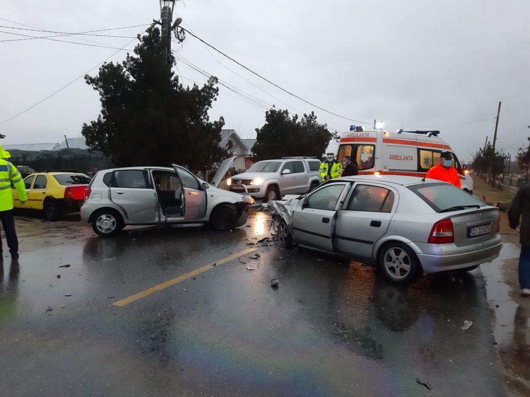 O tânără a fost rănită într.-un accident pe DN 55 (Foto: Claudiu Tudor)