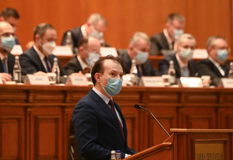 Guvernul PNL - USR-PLUS - UDMR a trecut de votul Parlamentului