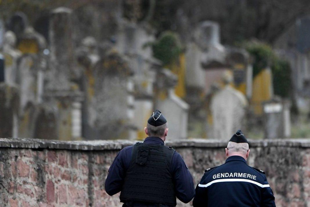 Trei jandarmi împuşcaţi mortal şi un al patrulea rănit, în centrul Franței