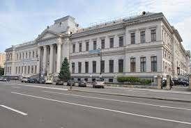 Doctoranzii la taxă ai Universității din Craiova, revoltați că au fost exmatriculați