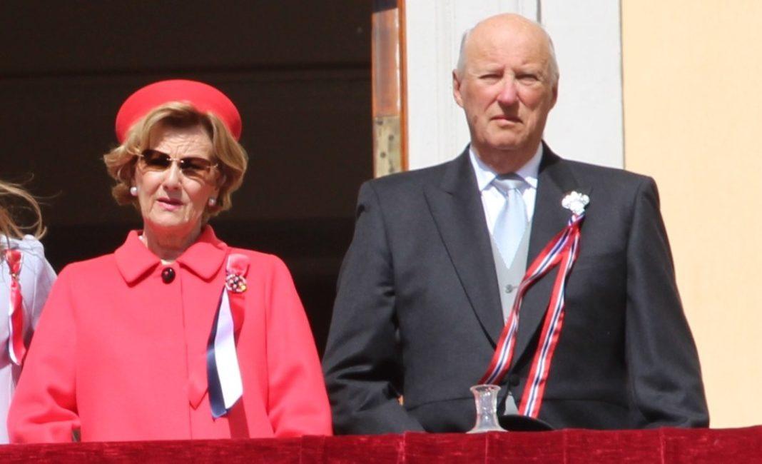 Regele Harald şi regina Sonja s-au vaccinat anti-COVID
