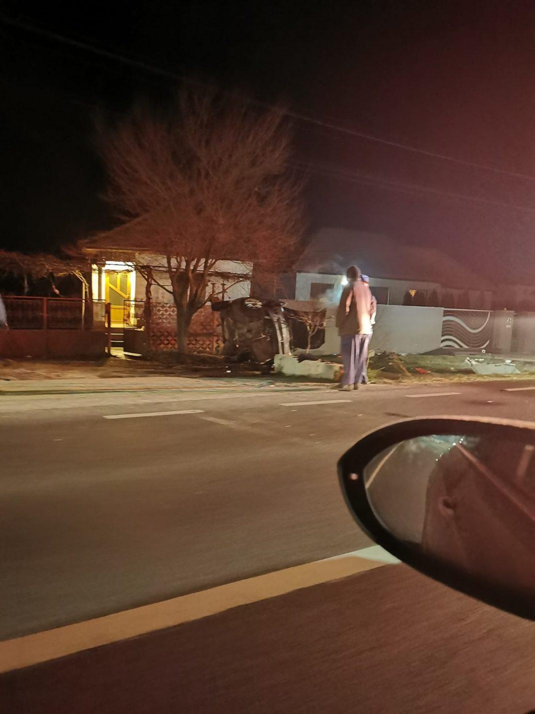 Gorj: Un șofer de 20 de ani aflat sub influența alcoolului s-a răsturnat cu mașina la Drăguțești