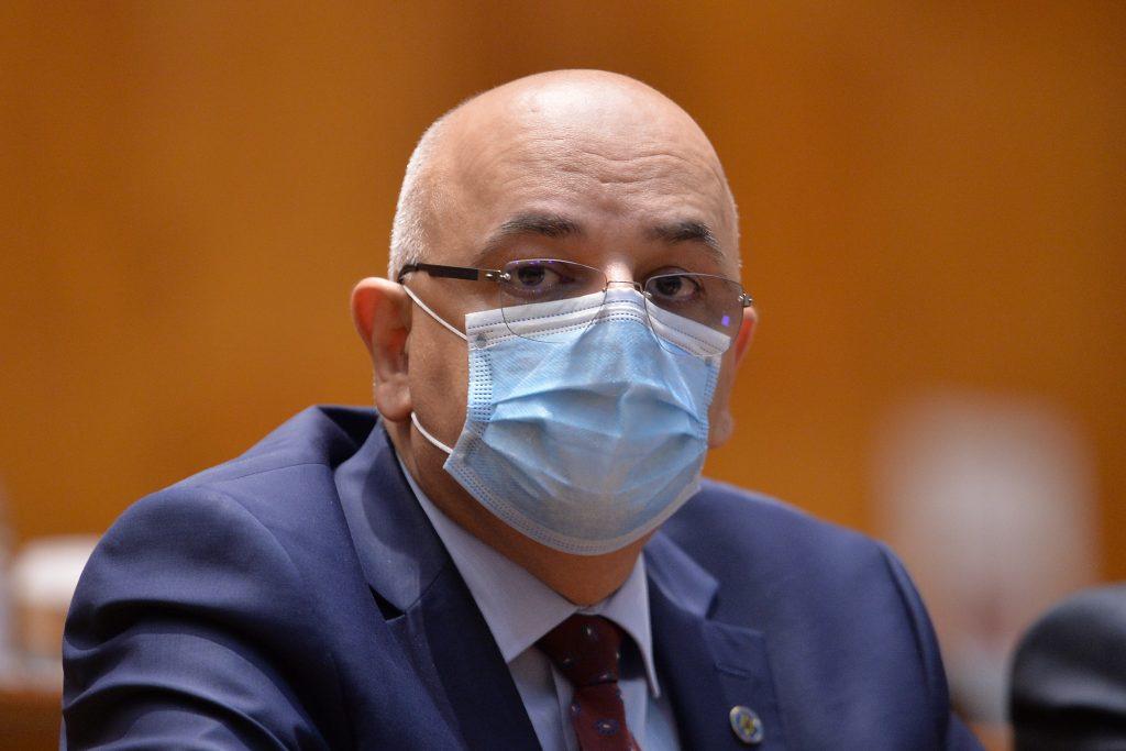 Raed Arafat spune că imunitatea după vaccinare durează până la opt luni cel puțin