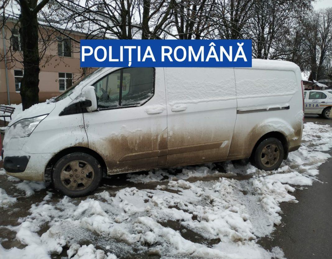 O femeie, din comuna Bucinișu, deține la domiciliu o autoutilitară, posibil sustrasă din afara țării