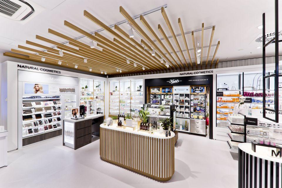 Retailerul de parfumuri Douglas va închide 500 de magazine din Europa