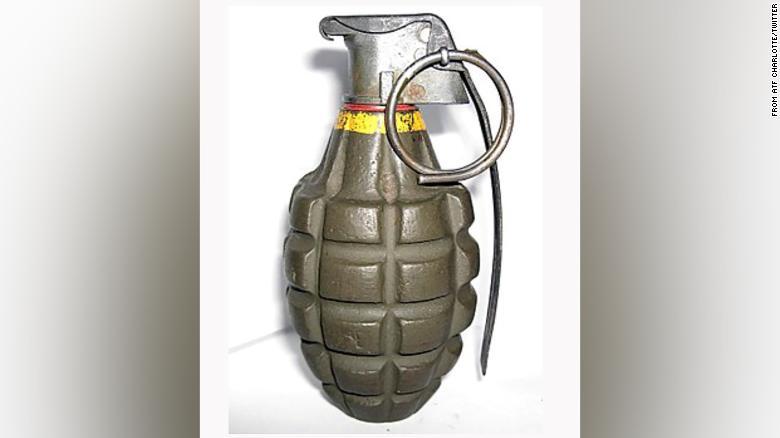 Un copil de 12 ani a murit după ce o grenadă cumpărată, probabil, dintr-un magazin de antichități a explodat