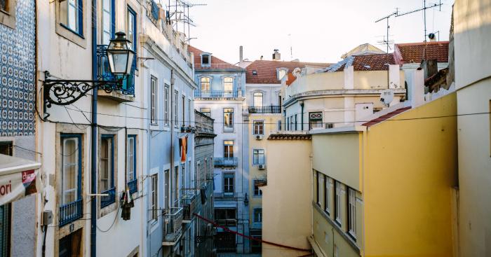 Portugalia intră de vineri în a doua sa carantină la nivel naţional