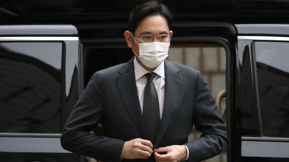 Moştenitorul imperiului Samsung, condamnat din nou la închisoare