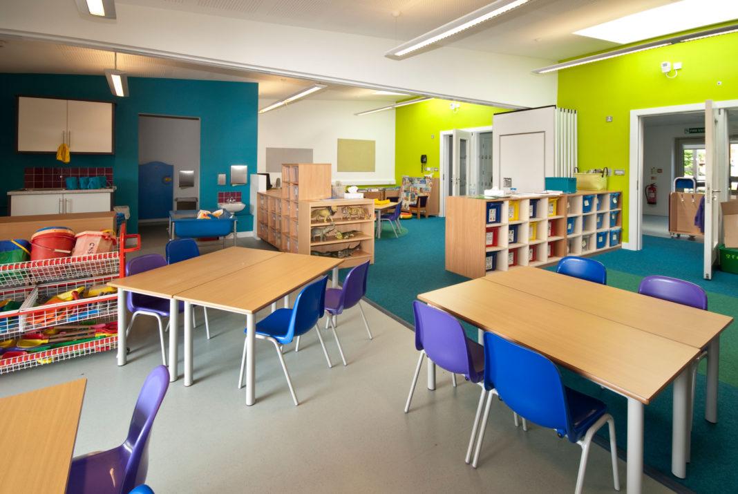 Anglia amână până în martie redeschiderea școlilor
