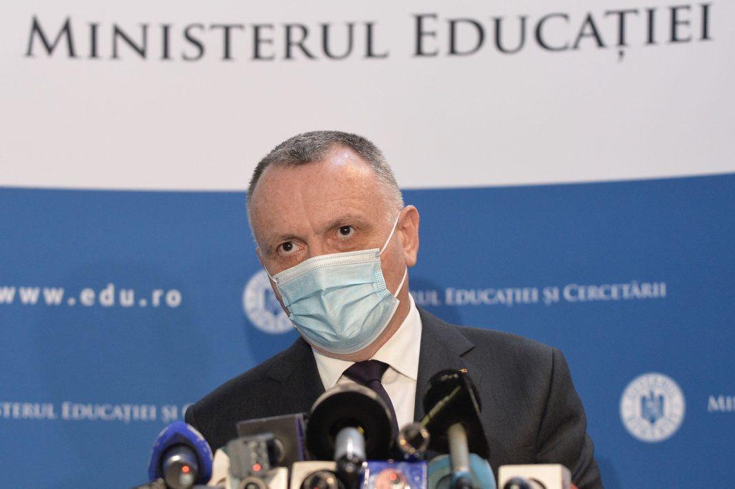 Sorin Câmpeanu: Reevaluarea criteriilor de performanţă vor avea ca efect creşterea calităţii actului educaţional