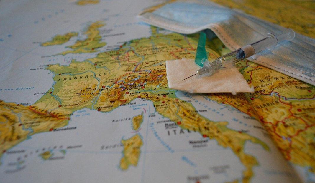 Comisia Europeană poartă discuţii cu Pfizer-BioNTech pentru suplimentarea achiziţiilor de vaccin