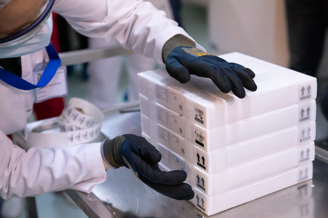 Germania intenţionează să cheltuie aproape nouă miliarde de euro în acest an pentru a cumpăra 635,1 milioane vaccinuri COVID-19