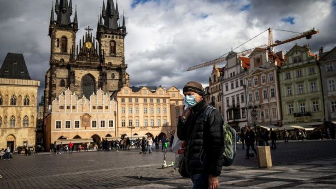 Cehia are cea mai mare rată de infectare pe cap de locuitor din lume