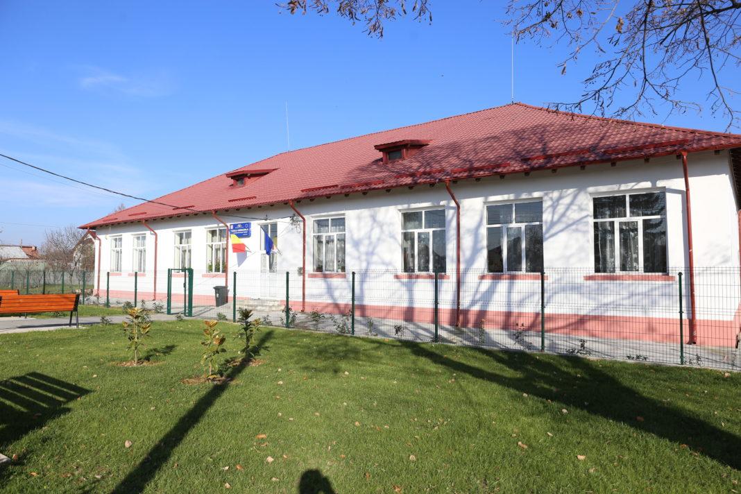 Şcoala Mischii se va deschide pentru învăţământul primar şi preşcolar