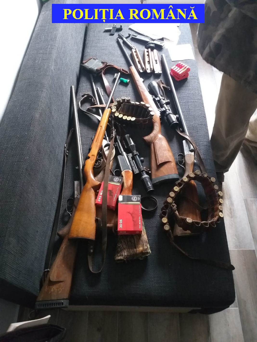 Controale la deţinătorii legali de arme şi muniţii letale şi neletale