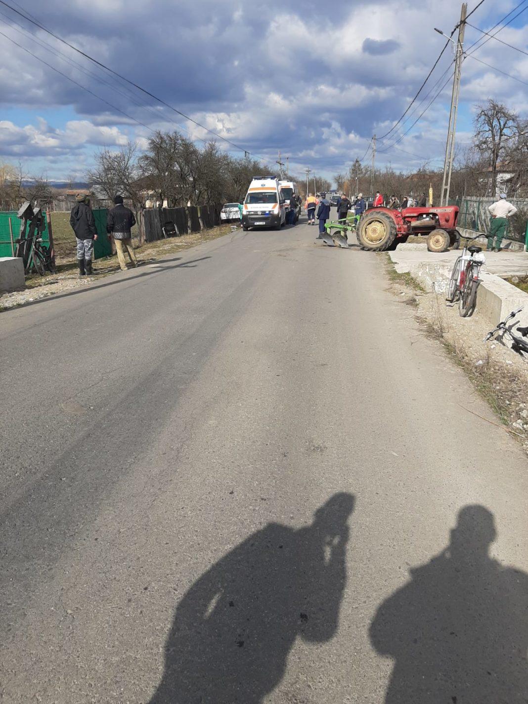 O coliziune a avut loc, în urmă cu puțin timp, în comuna vâlceană Lădești, pe DJ 643 B, între un autoturism și un tractor