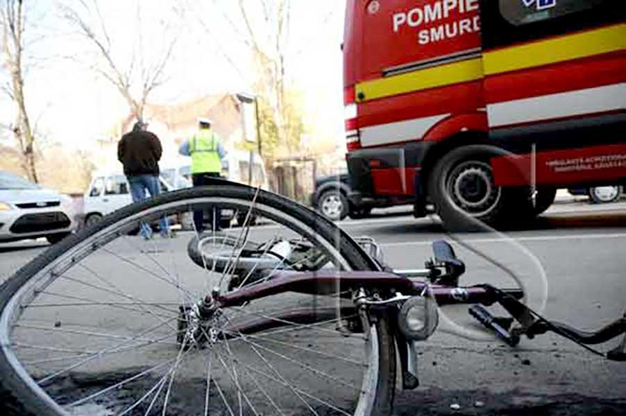 Un minor aflat pe biciletă a fost rănit în comuna vâlceană Grădiștea, după ce a fost acroșat de un autoturism