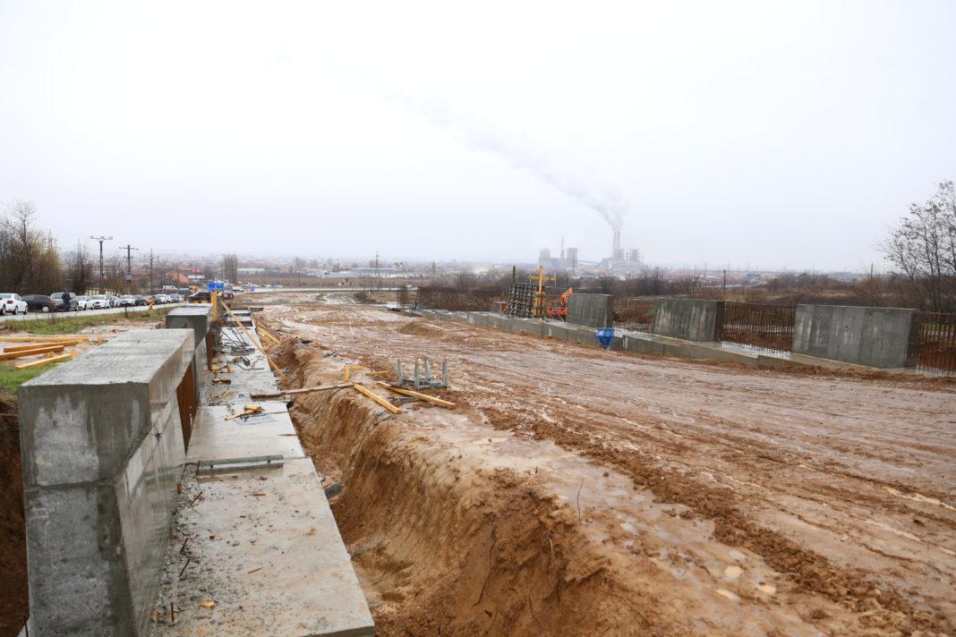 Şantierul primului tronson al Drumului Expres Craiova - Piteşti, la kilometrul zero