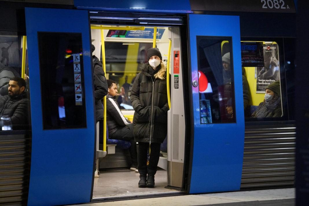 Suedia se îndreaptă spre al treilea val al pandemiei