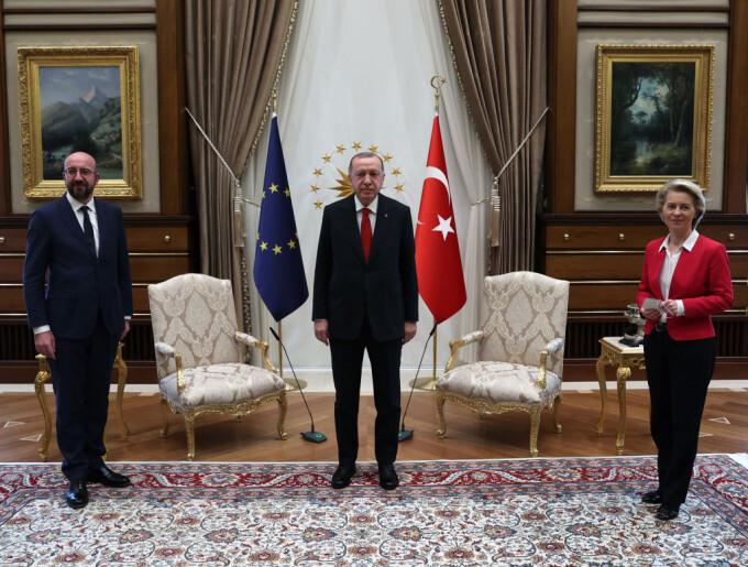 Ursula Von der Leyen, lăsată fără scaun la întâlnirea cu Erdogan
