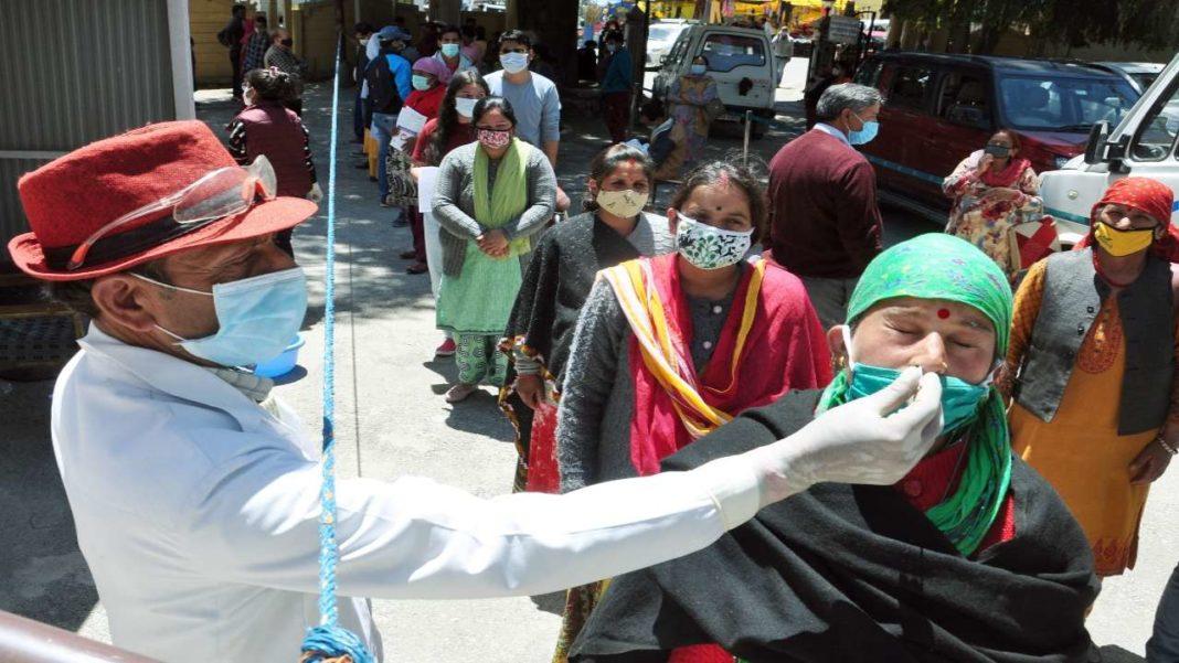 A șaptea zi cu record mondial de infectări cu Covid, în India
