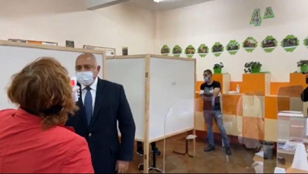 În Bulgaria au loc astăzi alegeri parlamentare, în mijlocul valului trei al epidemiei de COVID