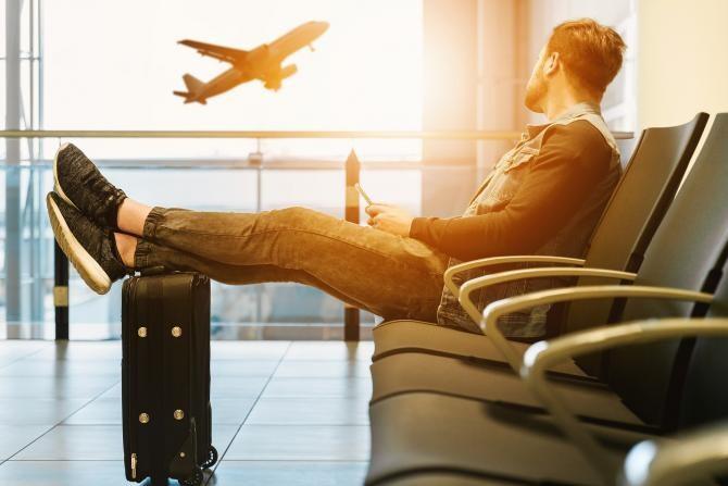 Țările Uniunii Europene au convenit oficial să introducă permise de călătorie COVID