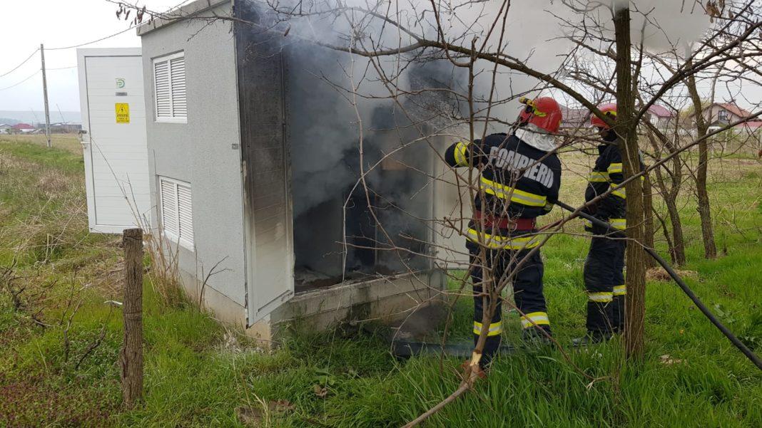 Incendiu la un punct trafo din Preajba