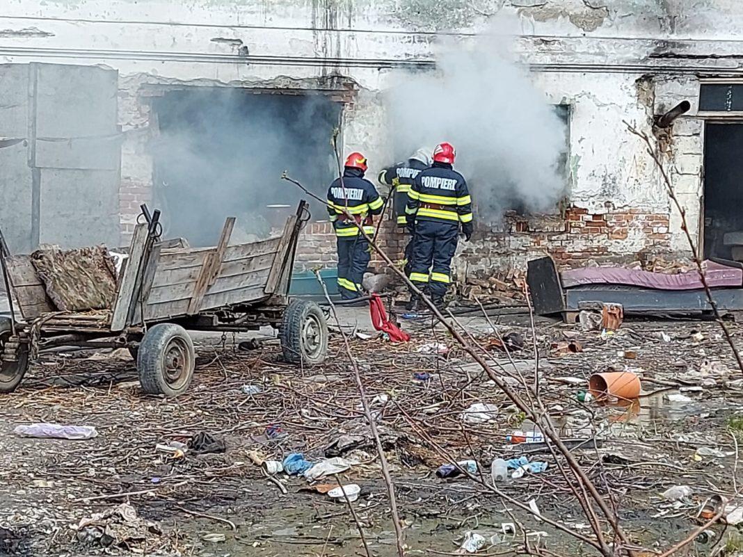 Olt: Incendiu la o clădire dezafectată din Slatina