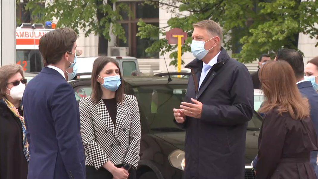 Klaus Iohannis: Românii din diaspora care vor să se vaccineze în timpul şederii în țară pot să o facă la drive-through