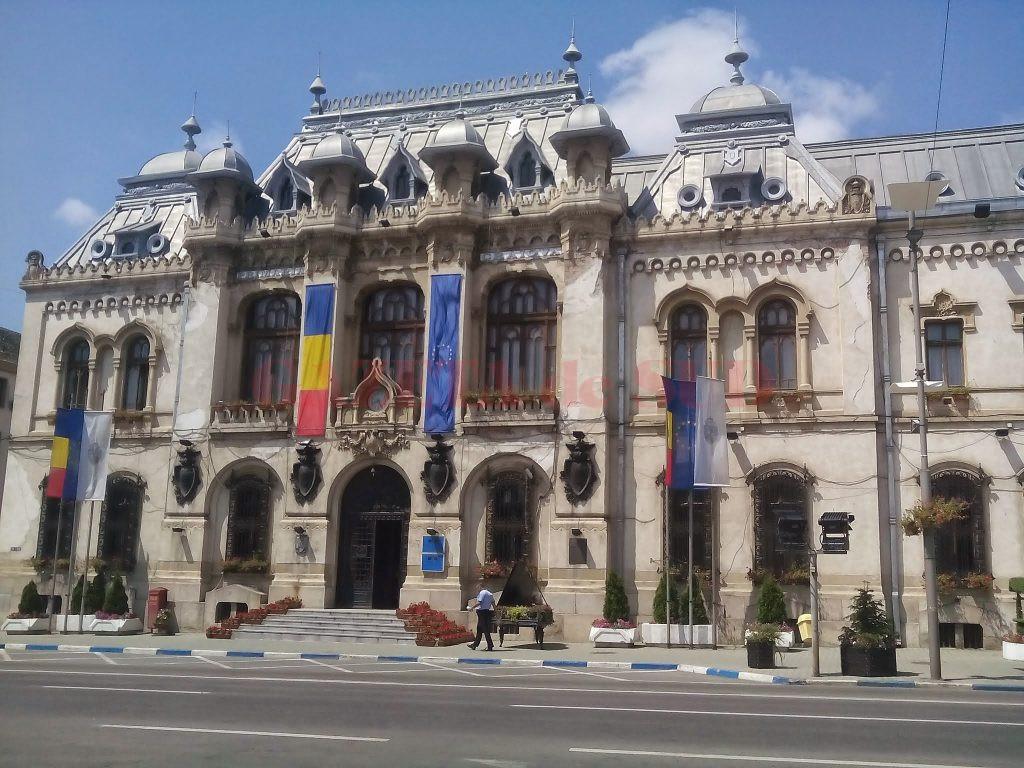 Craiovenii, invitați să dezbată online bugetul orașului