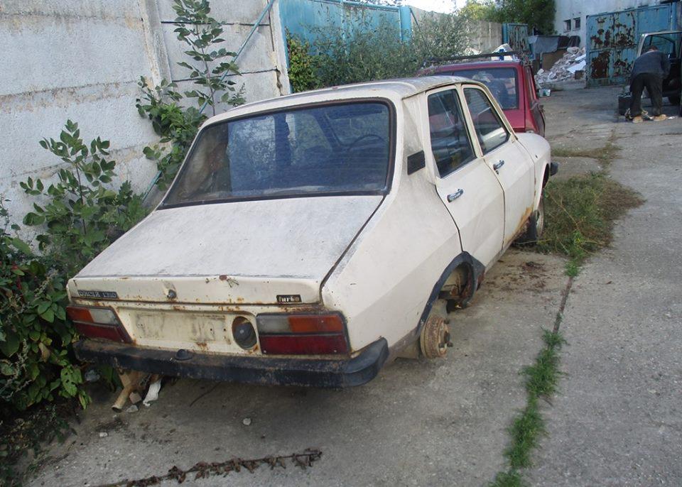 Continuă ridicarea mașinilor abandonate din Craiova