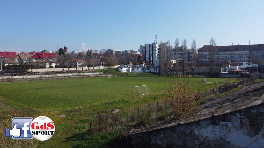 """Consiliul Judeţean Dolj a depus documentația de includere a stadionului """"Tineretului"""" pe lista de finanțare a Companiei Naționale de Investiții"""