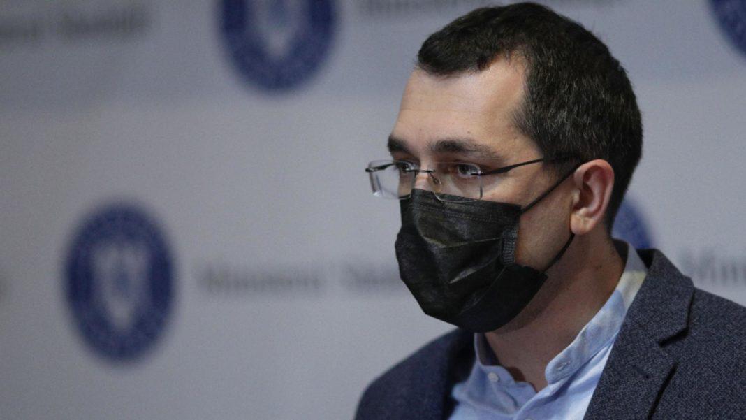 Vlad Voiculescu: Nu există un singur loc în Sănătate care să nu fie afectat de politizare