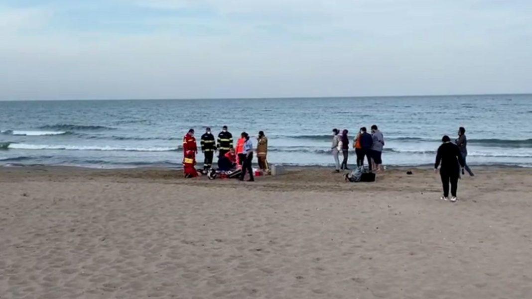 Bărbat care făcea kitesurfing la mare, mort după ce a căzut în apă