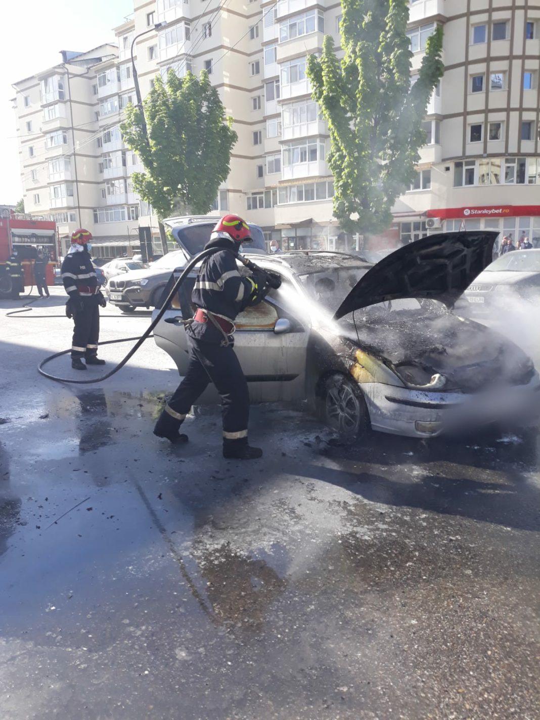 Autoturism stins de pompieri
