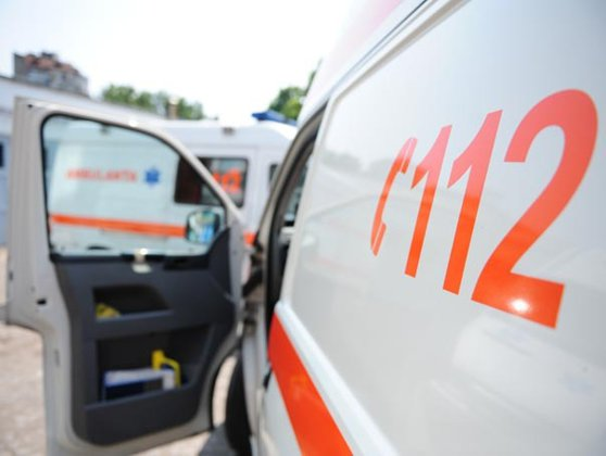 Bărbat în stare gravă după ce s-a răsturnat cu un ATV la Tismana