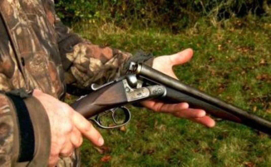 Bărbat împuşcat în cap la o partidă de vânătoare
