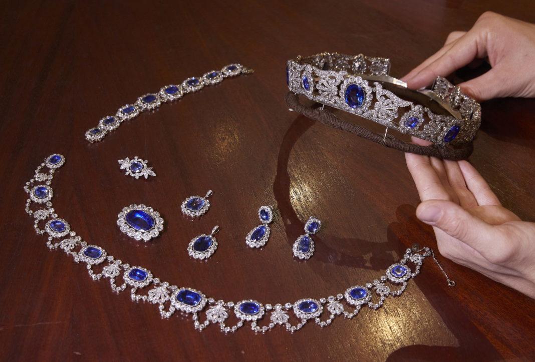 Bijuterii ale fiicei lui Napoleon, vândute cu 1,4 milioane de euro la licitaţie