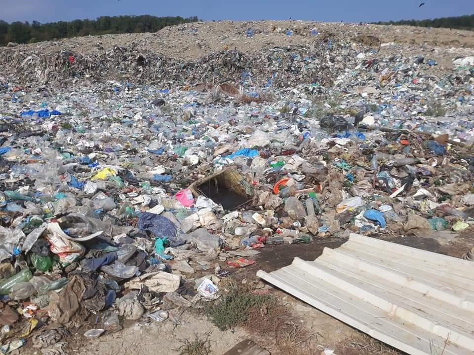 Depozitul de gunoi, amendat cu 30.000 de lei pentru lipsa unui studiu de impact