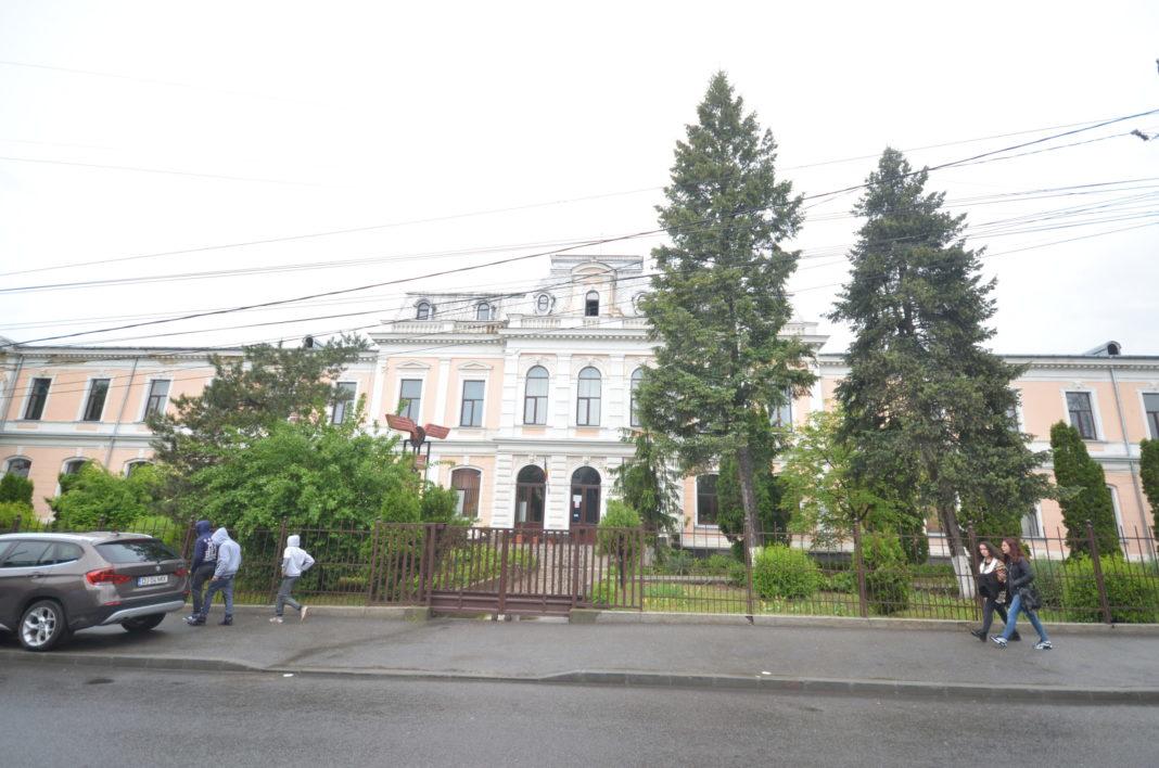 Liceul de Transporturi Căi Ferate Craiova are clasă sportivă pentru care admiterea se face fără repartizare computerizată.