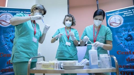 În toate spitalele militare din România, vaccinare anti-COVID fără programare