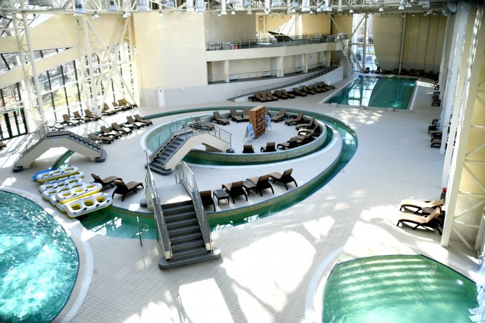S-au deschis bazinele acoperite de la Water Park Craiova. Află care sunt taxele de intrare