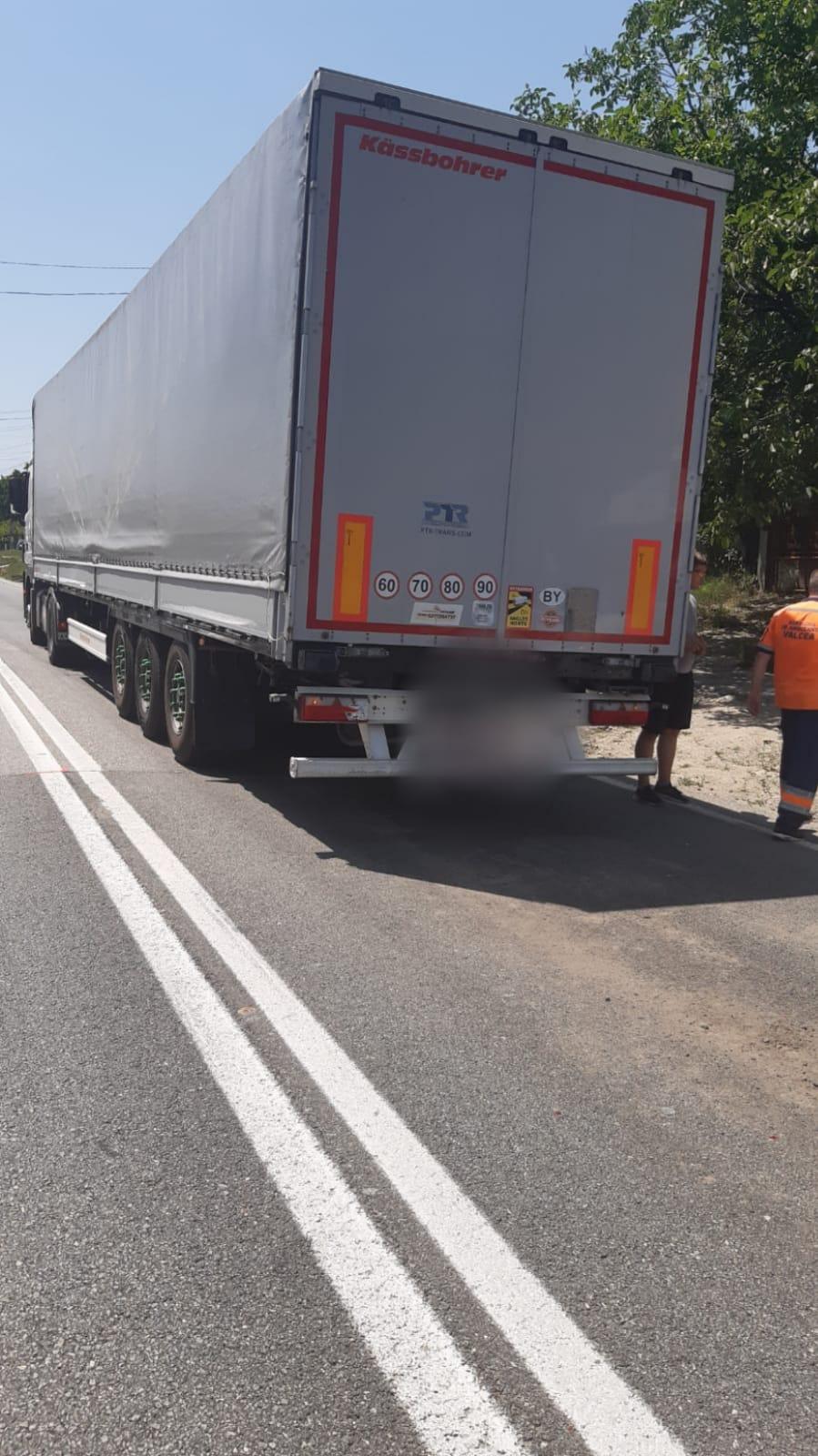 Trei copii au fost răniți într-un accident rutier în Bujoreni