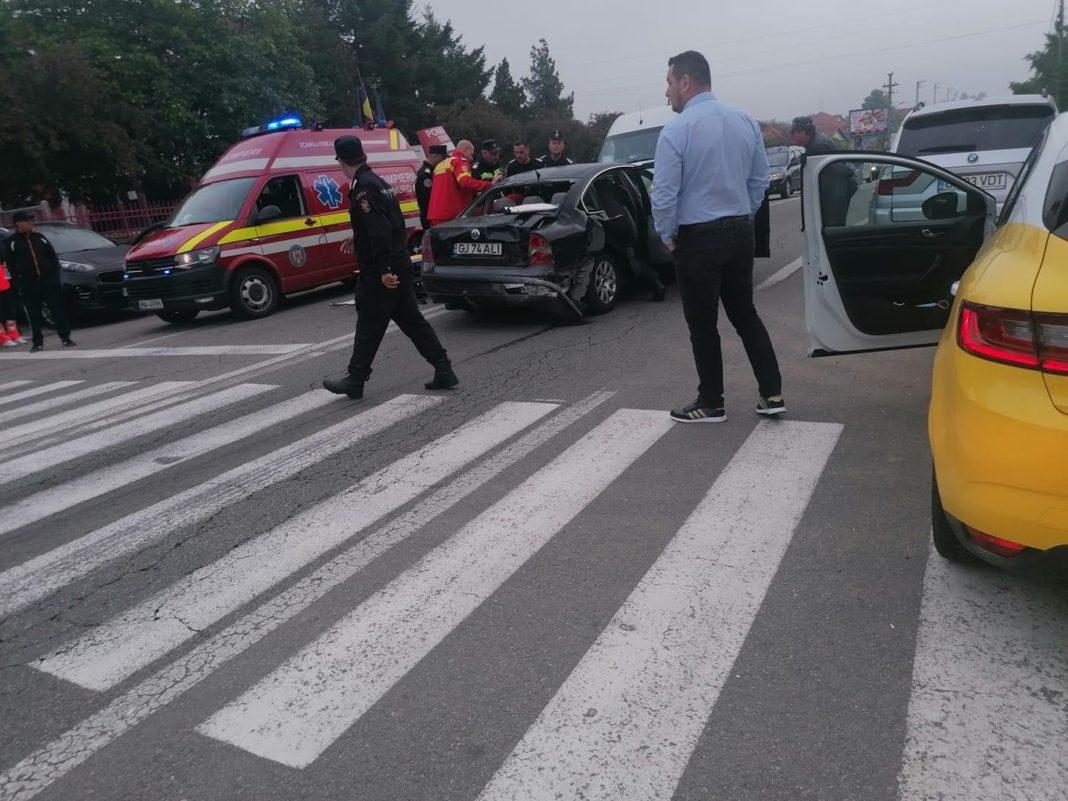 Persoană rănită într-un accident rutier la Târgu Jiu